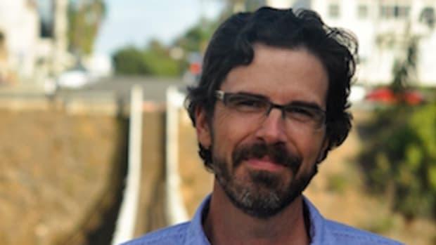 Andrew-Roe-author-writer