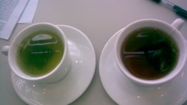 Two Cups of Tea by peppermint quartz on DeviantArt, Creative Commons Attribution 3.0 License, http://fav.me/d4ahdt1