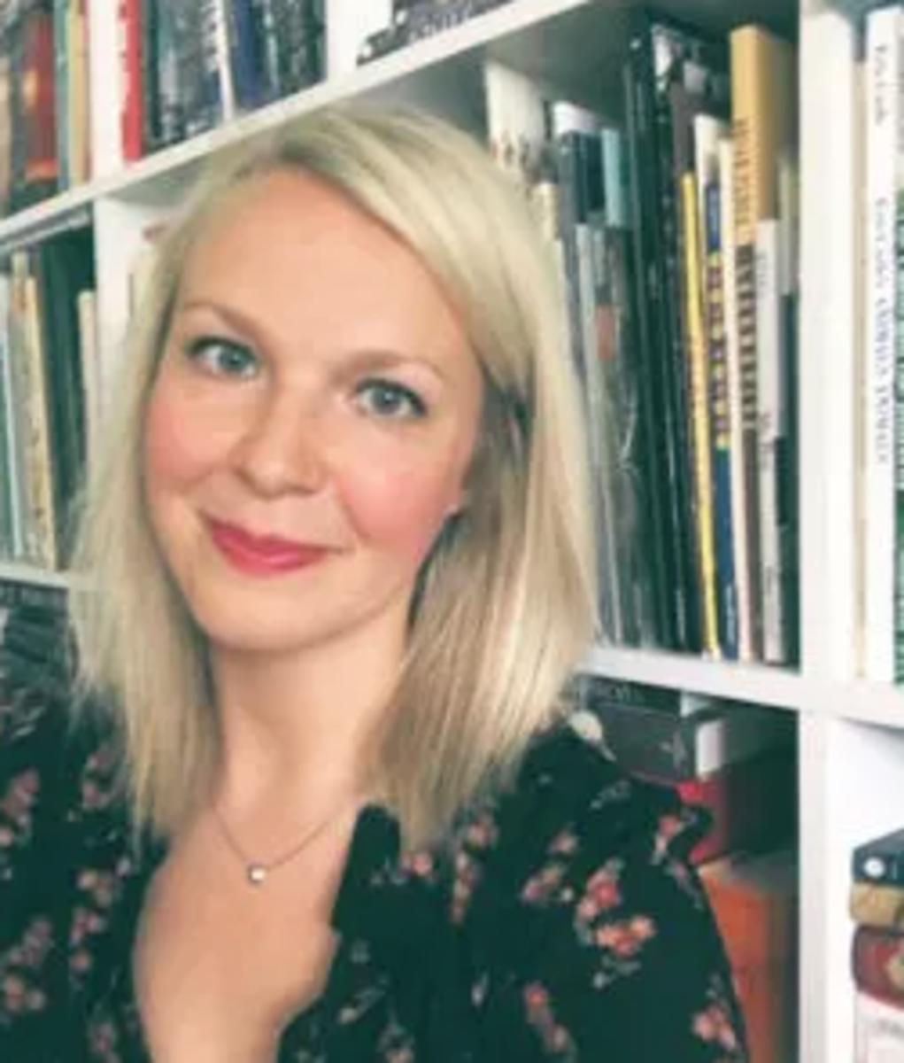 Erin Clyburn of The Jennifer De Chiara Literary Agency