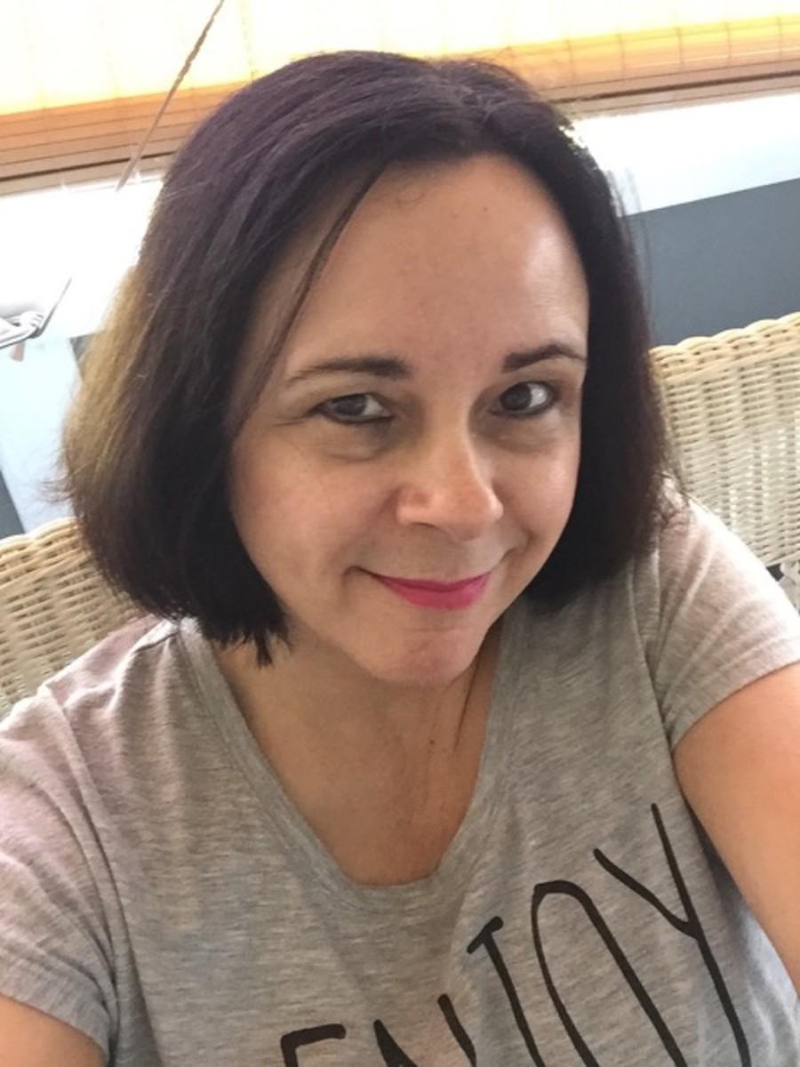 katie-oliver-author-writer