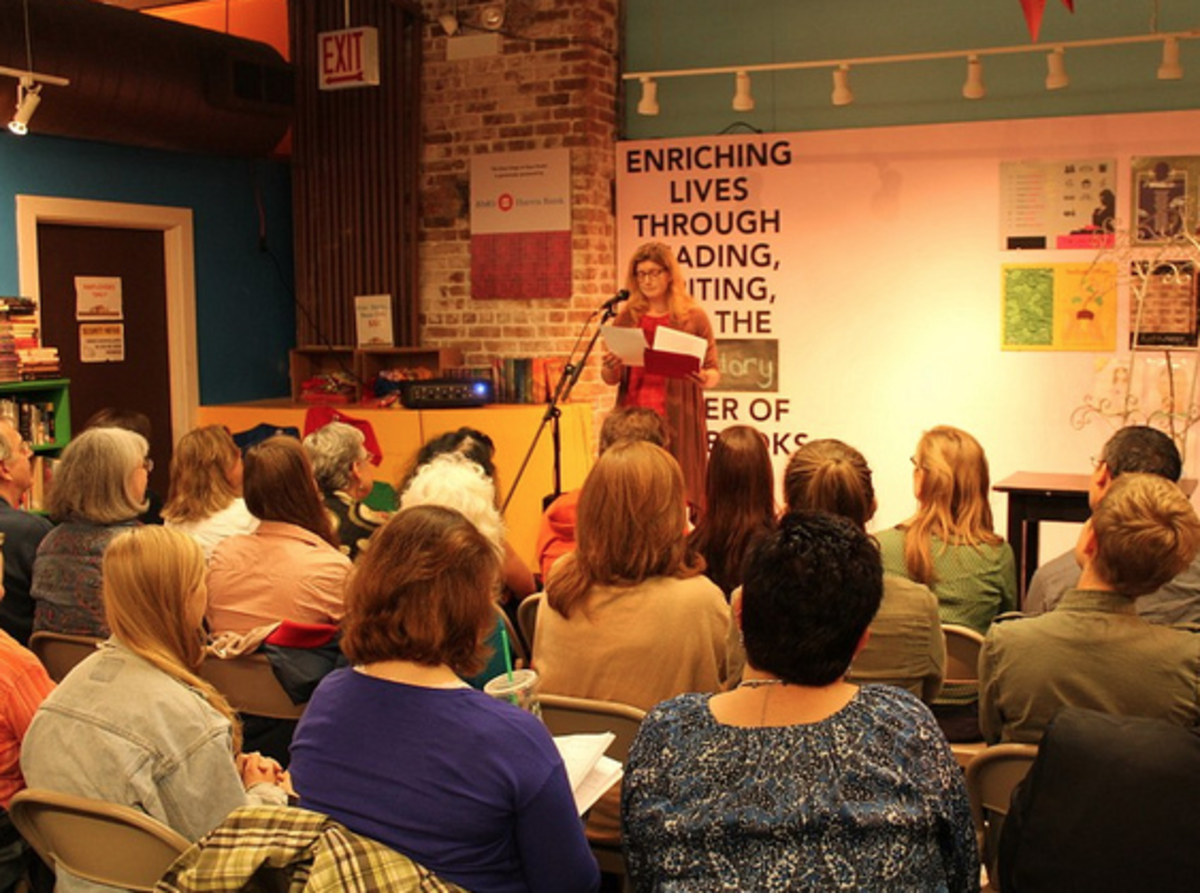 After the Friday sessions, there were readings at Open Books in downtown Chicago.