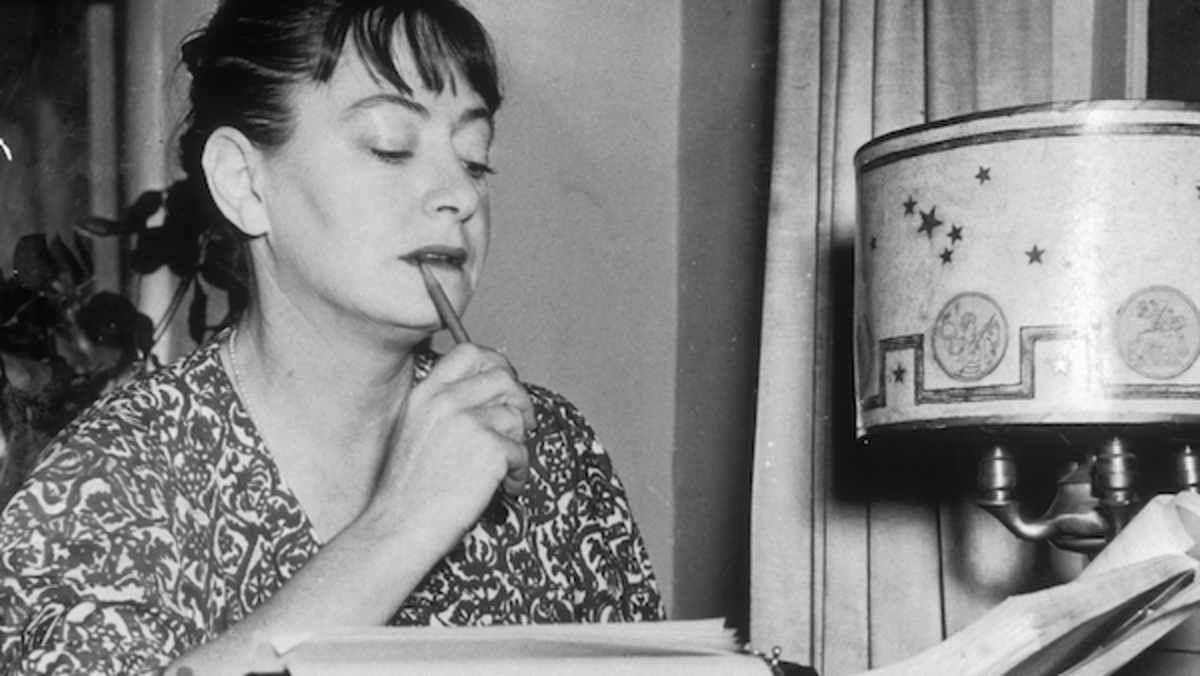 Dorothy Parker: Born to be a Star of Poignant and Pointed Word Play