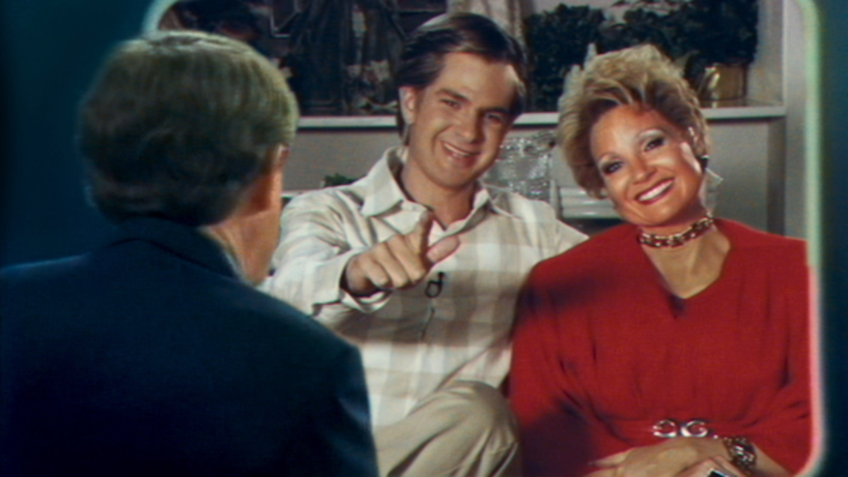 THE EYES OF TAMMY FAYE-1-Photo Courtesy of Searchlight Pictures. © 2021 20th Century Studios All Rights Reserved